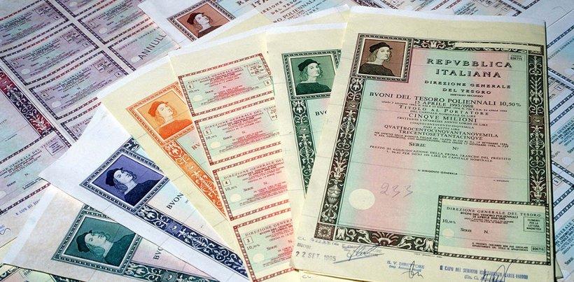 migliori titoli di stato - Financial Times: fuga record degli investitori stranieri dai titoli di Stato italiani