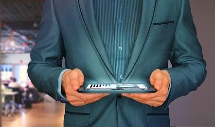 businessman 2970149 640 - A Forlì il 15 settembre: Forum dell'Innovazione Digitale
