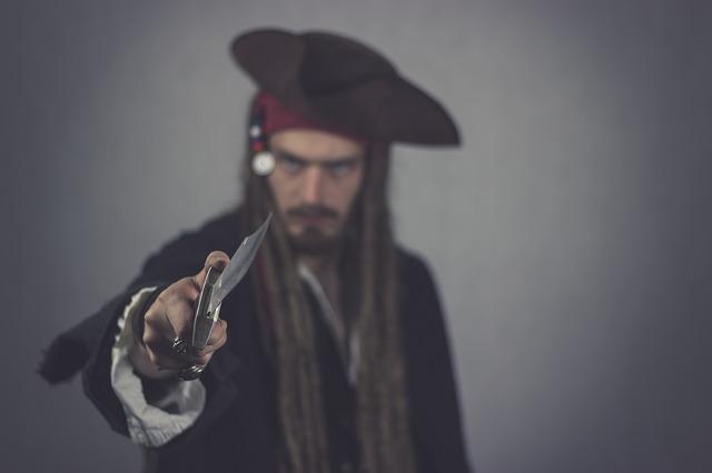 pirate 2750361 640 - Pirateria audiovisiva. Finalmente la nuova normativa
