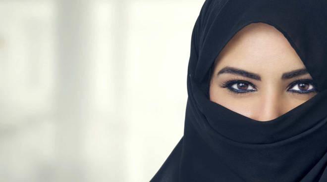 donna islamica 598693.660x368 - La finanza islamica si apre anche al mondo femminile