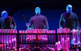 blu - Blue Man Group, tre fenomeni al Teatro degli Arcimboldi