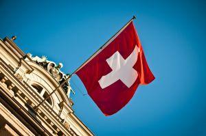 Non rimane neutrale: la Svizzera apre la strada al regolamento criptografico 101