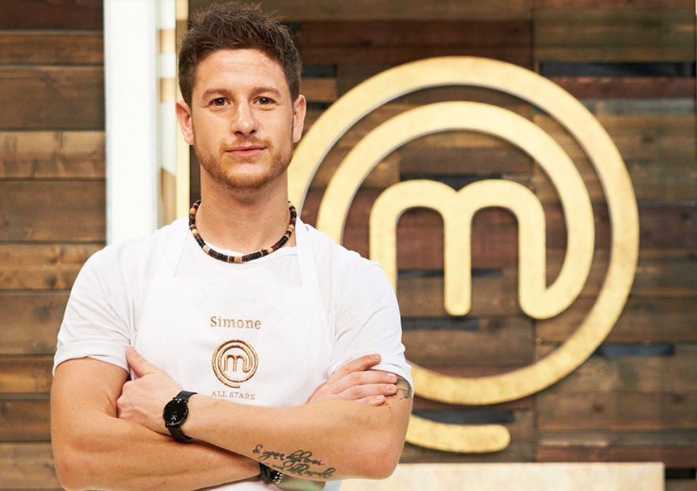 """simone finetti - Lo chef Simone Finetti presenta il suo libro """"Heroes"""" (Ed. Hoepli)"""