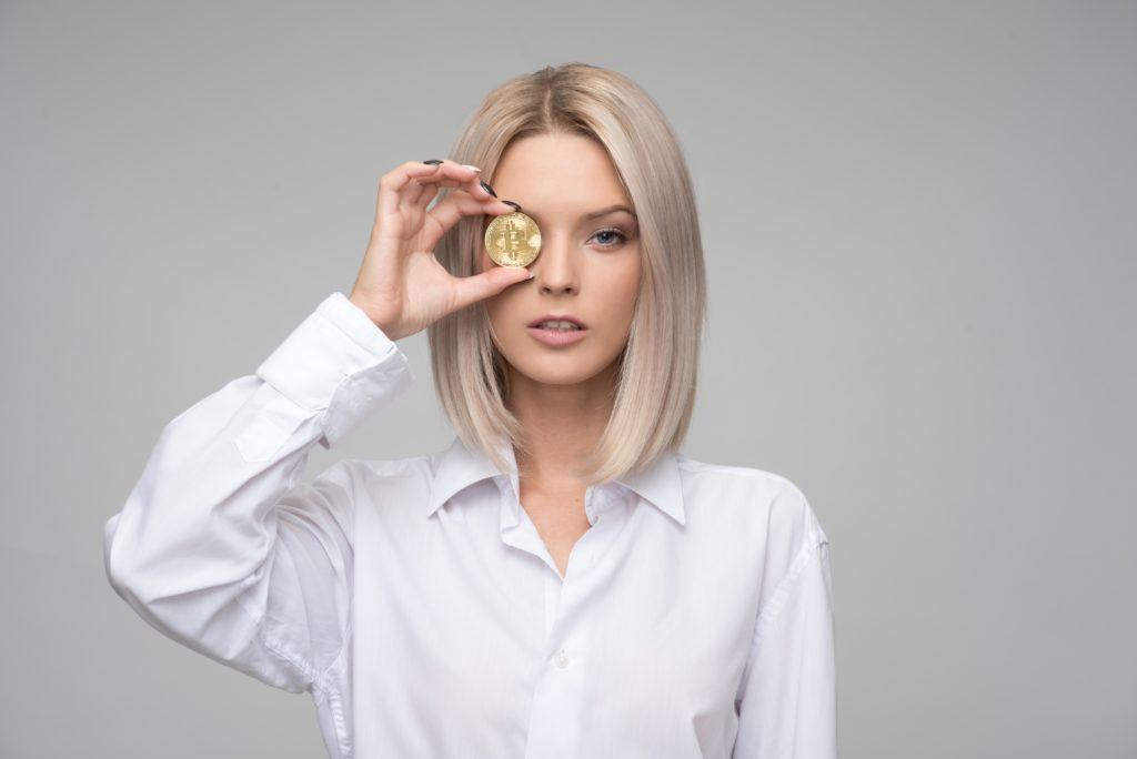 swiss crypto hub hotel a cinque stelle per accettare pagamenti btc borsa six elenchi etp basato su xrp - Un hotel svizzero a cinque stelle, il Dolder Grand, accetta i pagamenti di BTC