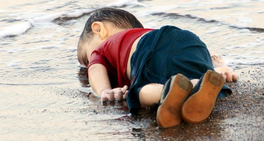 Aylan Kurdi – ©LaPresseReuters - Lampedusa. La tragedia dei migranti raccontata da chi la vede ogni giorno