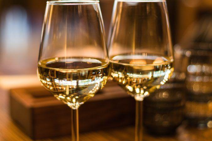 ey e blockchain wine per mettere il vino su una blockchain yahoo finance - La blockchain per tracciare il vino è oggi una realtà grazie a EY