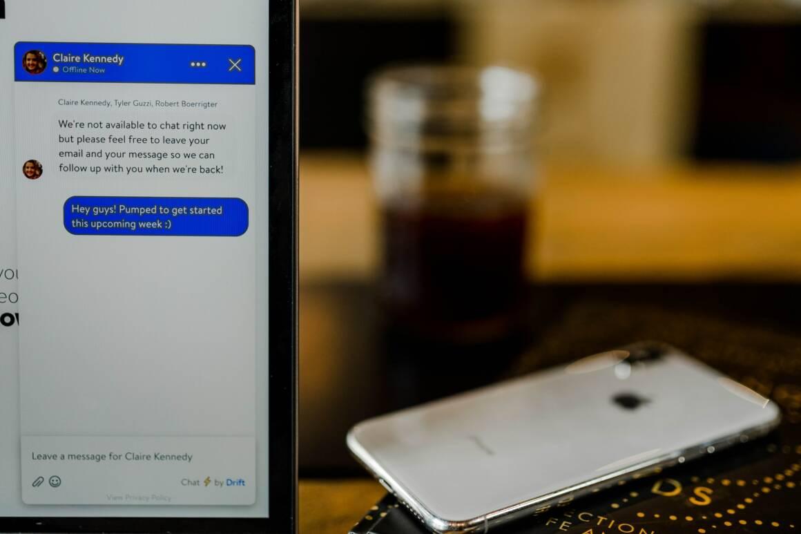 come la chat personale inserita nel cellulare aziendale puo portare al licenziamento 1160x773 - Come la chat personale inserita nel cellulare aziendale può portare al licenziamento