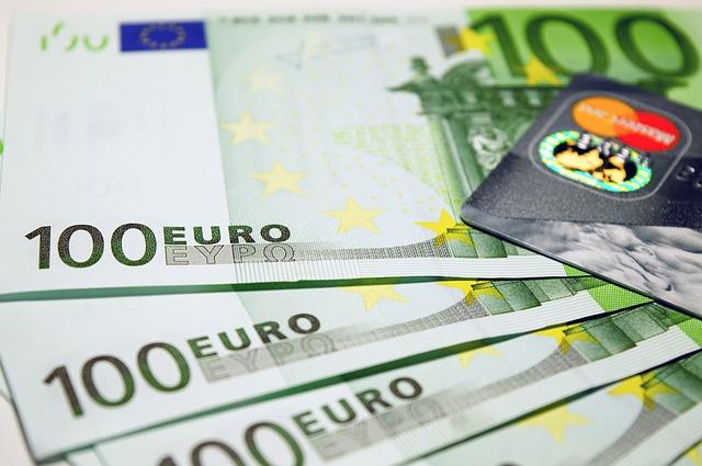 euro 1647400 640 - Dati INPS. Le diseguaglianze nella distribuzione dei redditi