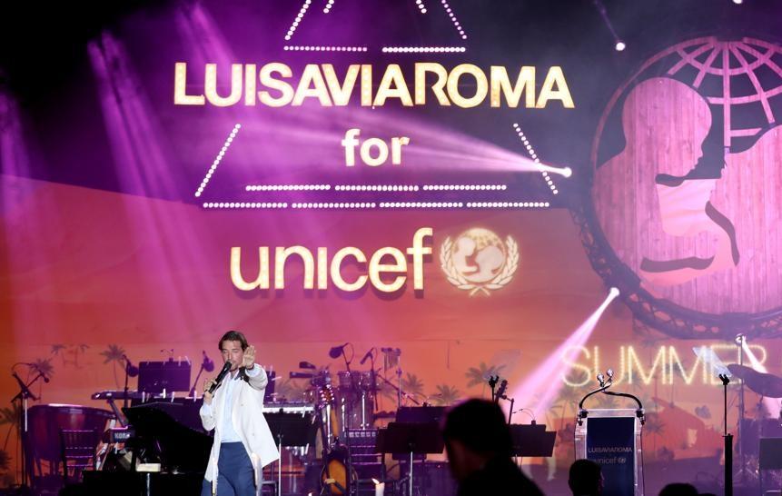 viaroma - Al Gala di LuisaViaRoma raccolti 3,5 milioni per Unicef. Crocrodile di Marco Glaviano tocca i 70mila euro.