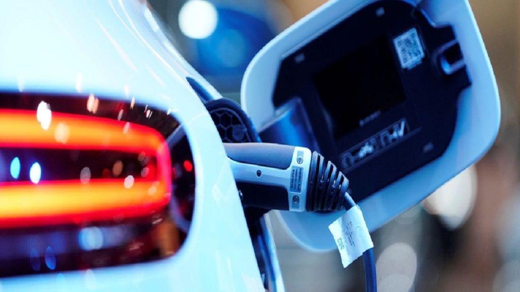 La guida per principianti alla scelta della auto elettrica perfetta per le proprie esigenze - La guida per principianti alla scelta della auto elettrica perfetta per le proprie esigenze