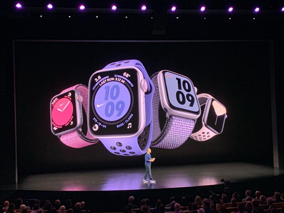apple watch series 5 sports abbagliante schermo sempre attivo fantastici extra - Conviene davvero comprare un Apple Watch Series 5, o meglio soprassedere?