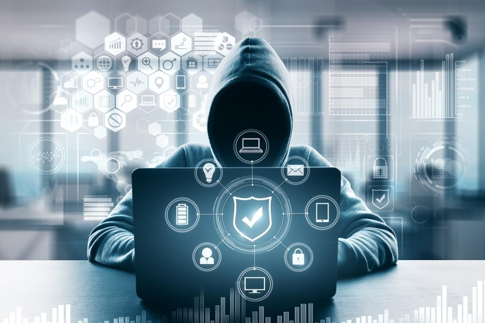 gli attacchi informatici sui dispositivi iot aumentano del 300 nel 2019 misurato in miliardi denuncia sinistri - CLASHOT lancia un concorso fotografico e rilascia una nuova versione Android