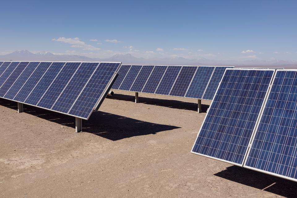 los angeles approva laccordo per lo sviluppo del piu grande impianto di energia solare negli stati uniti - Il più grande impianto di energia solare negli Stati Uniti sarà a Los Angeles