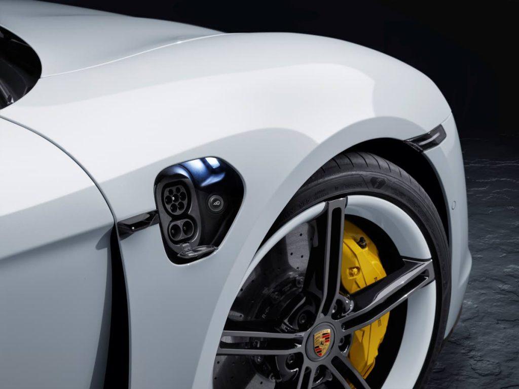 porsche elettrica trinidad news 1 - Porsche presenta Taycan la sua prima auto sportiva completamente elettrica