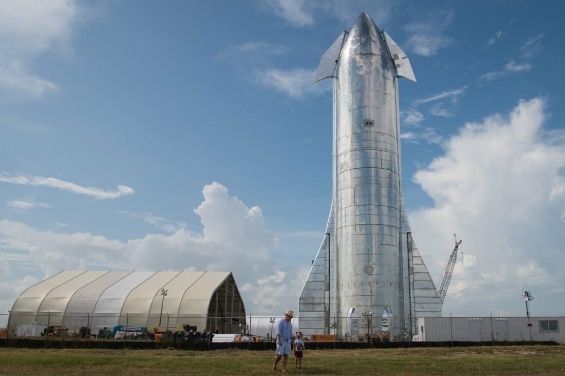 elon musk ha condiviso un video allinterno del prototipo del suo razzo starship che vuole usare per portare le persone su marte 1 1 1160x773 - Il Video di Elon Musk all'interno del prototipo del suo razzo Starship per il trasporto umano su Marte
