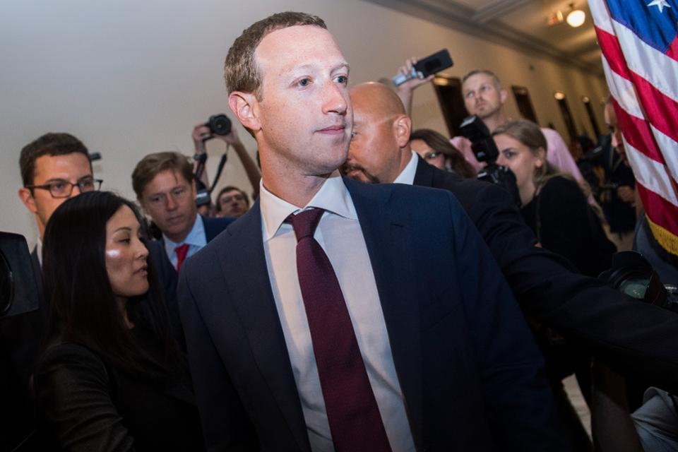 il peggior incubo di facebook e mark zuckerberg sta diventando realta forbes - Va tutto storto per Facebook e Mark Zuckerberg: il nuovo incubo è diventato realtà