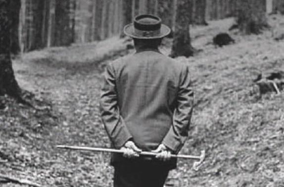 """luog - """"I luoghi del pensiero"""" scritto da un Paolo Pagani in grandissimo spolvero"""