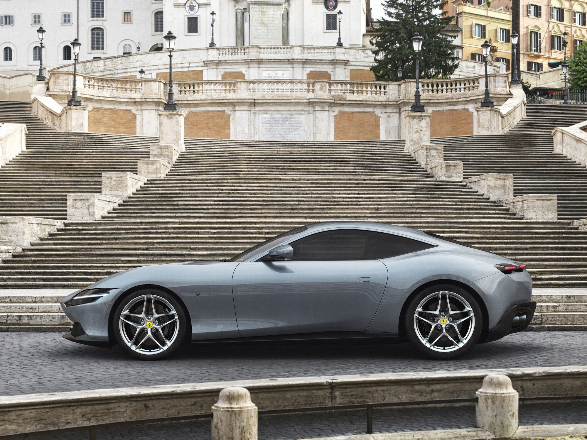la ferrari ha appena presentato il suo nuovo coupe roma ed e uno storditore gara 2 - La Ferrari ha appena presentato il suo nuovo coupé Roma