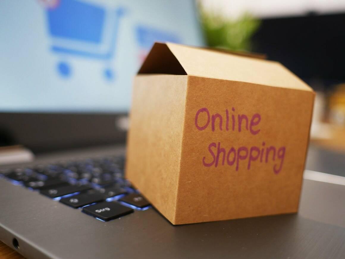 online shopping 4532460 1280 1160x871 - Nuove regole per distribuire i propri prodotti con Amazon